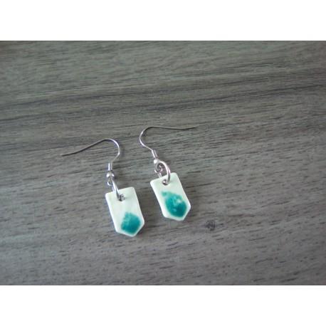 Boucles d'oreilles céramique bleu turquoise et verre mousse