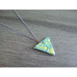 Collier céramique triangle turquoise jaune sur acier inoxydable