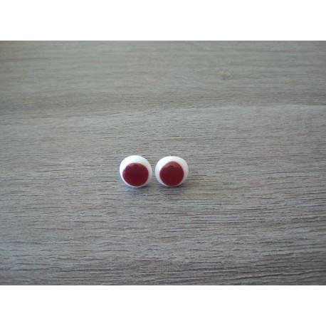 Boucles d'oreilles puce verre fusing rouge.