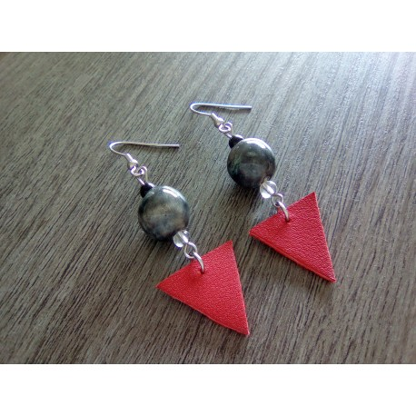 Boucles d'oreilles céramique noir et cuir rouge acier inoxydable faïence