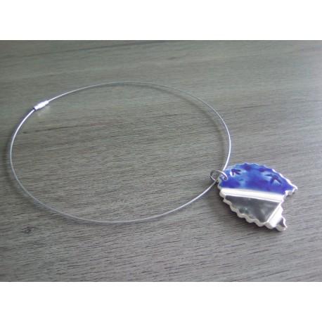 Parure céramique faïence émaillé bleu blanc sur acier inoxydable.
