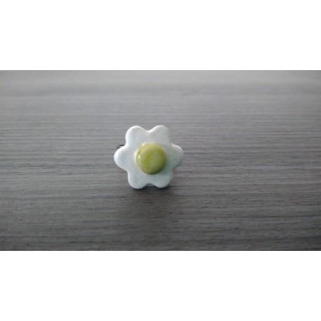 Bague fleur verte blanche faïence