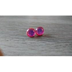 Boucles d'oreilles puce verre rouge et dichroic rose orangé.