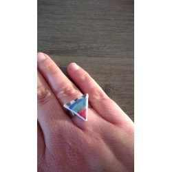 Ring triangle earthenware, white, turquoise green, blue and red