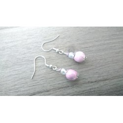 Jolies petites boucles d'oreilles de faïence céramique rose