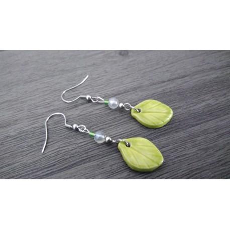 Boucles d'oreilles céramique verte feuille