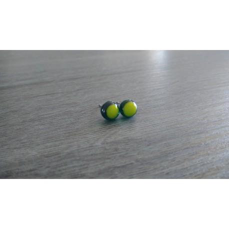 Boucles d'oreilles puce verre fusing jaunes vertes.