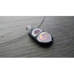 black and pink dichroïc glass necklace fusing