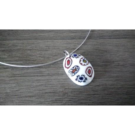 Pendentif de verre fusing millefiori bleu et blanc créatrice bijoux artisanaux vendée
