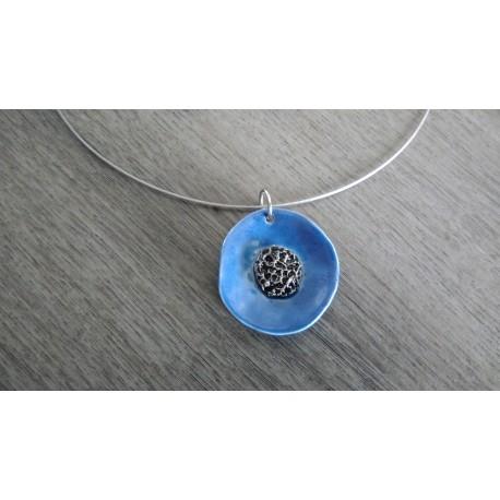 Parure bijoux artisanaux céramique bleu motif florale