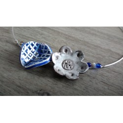 Collier fleur céramique bleu et blanc mariage soirée acier inoxydable