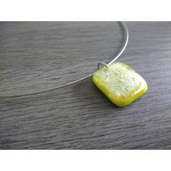 Pendentif vert anis dichroic à reflet en verre fusing création artisanale vendée