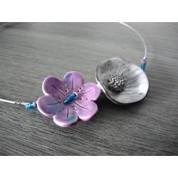 Collier fleur céramique violet et blanc mariage soirée acier inoxydable