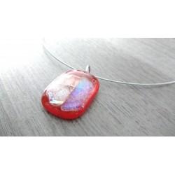 Pendentif rouge transparent dichroic rose orangé en verre fusing création artisanale vendée