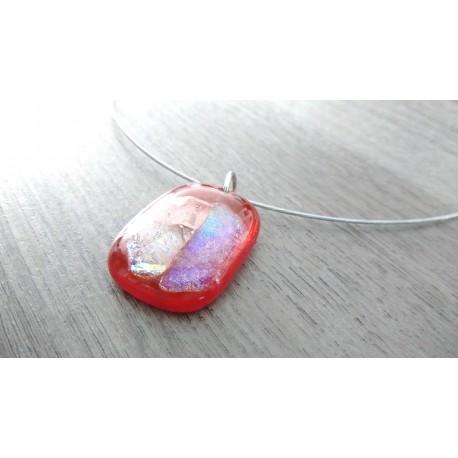 Pendentif rouge dichroic rose orangé en verre fusing création artisanale vendée