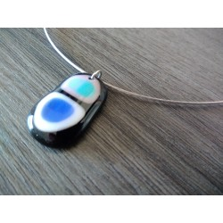 blue white black fusing glass necklace and dichroïc pink