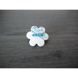 Handcrafted turquoise flower-shaped brooch on stainless steel made in france vendée