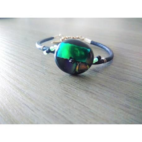 Bracelet noir vert orange sur cuir, verre dichroïque artisanale sur cuir noir et acier inoxydable made in france vendée