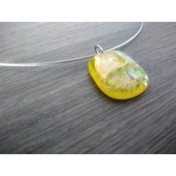 Yellow dichroic pendant with fusing glass reflection handmade vendée creation