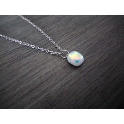 Pendentif blanc et turquoise effets en verre fusing dichroic création artisanale vendée