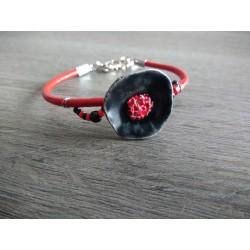 Bracelet rouge et noir coquelicot faïence artisanale sur cuir et acier inoxydable made in france vendée