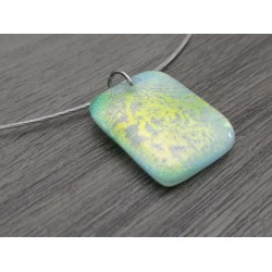 Anised dichroic green pendant with fusing glass reflection, handcrafted vendée creation